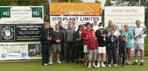Trophy winners at the 2009 Dumfries Tennis Club Championships